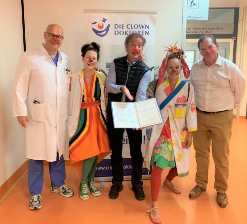 Dr. Ike Roland Förderpreis geht an die Clowndoktoren 01