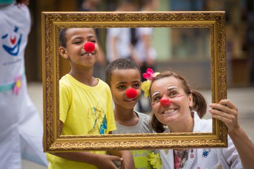 Bilderausstellung: Rückblick auf 25 Jahre Clowndoktoren 01