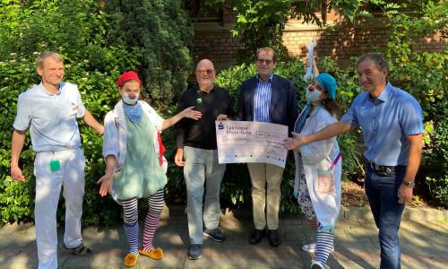 30.000 Euro für Humorvisiten in Wiesbaden, Rüsselsheim, Mainz und Bad Kreuznach