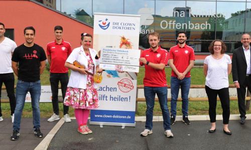Zocken für den guten Zweck – Referees sammeln 2.100 Euro ein