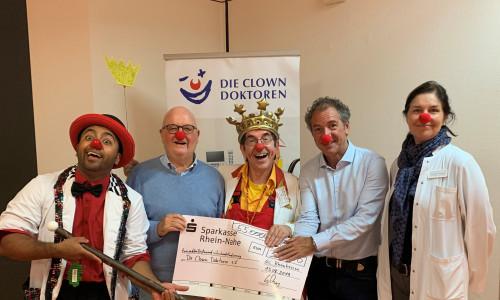 Benefiz-Golfturnier erspielt Rekordsumme für die Clowndoktoren